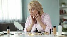 顔の皮膚がたるむ意外な原因はどこにあるか