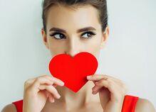 口数が少なくても愛される女性の特徴とは