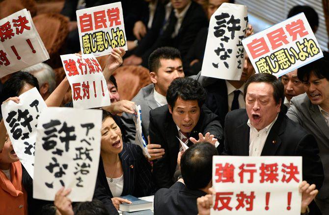"""民進党は""""9条""""で分裂する必要はなかった"""