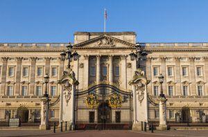 エリザベス女王が携帯電話を禁止した理由