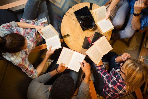 PRESIDENT WOMAN 仕事に役立つ読書会「イオンを創った女」に学ぶ、人生100年時代の仕事学校
