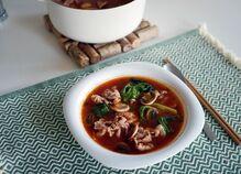豚肉とレタスのトマト鍋風スープ