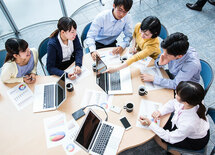 自発的に動くチームはこうつくる!部下の意識を変えるマネジメント術