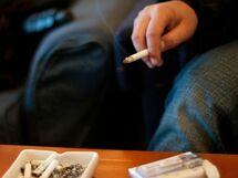 タバコ部屋で人事が決まるって本当?